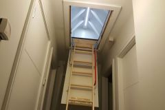 Folding attic stairs